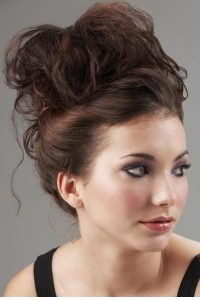 Çekici ve Yeni Dağınık Topuz Saç Modelleri