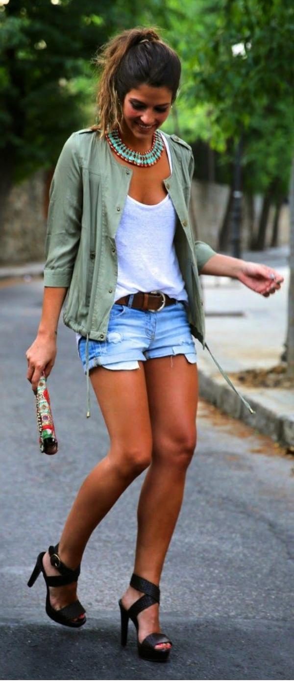 Kısa Pantolon Kombinleri